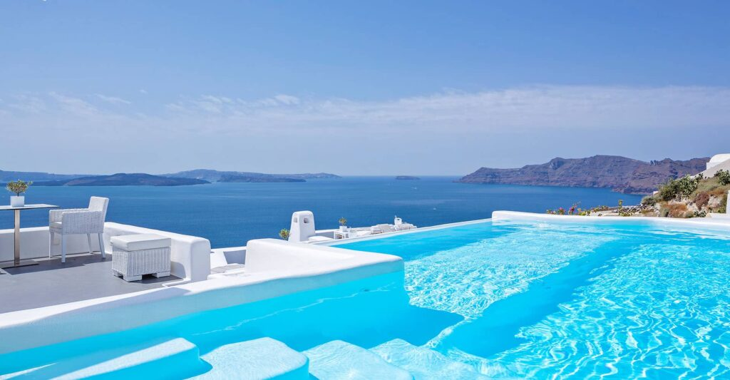 Canaves-Oia-Hotel-Santorini-Pool