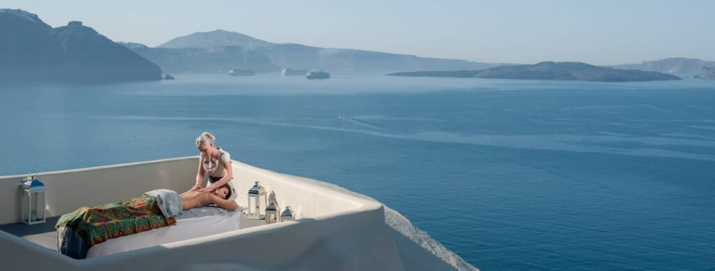 Canaves-Oia-Hotel-Santorini-canaves-suites-spa